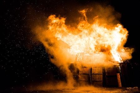 Explosion und die Gefahren